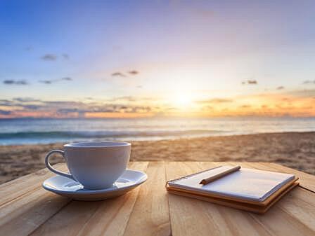 Morgendlicher Kaffee nach einer Feier an der Ostsee