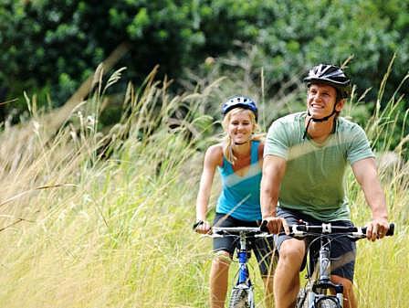 Pärchen Radtour Wald - Aktivitäten Warnemünde